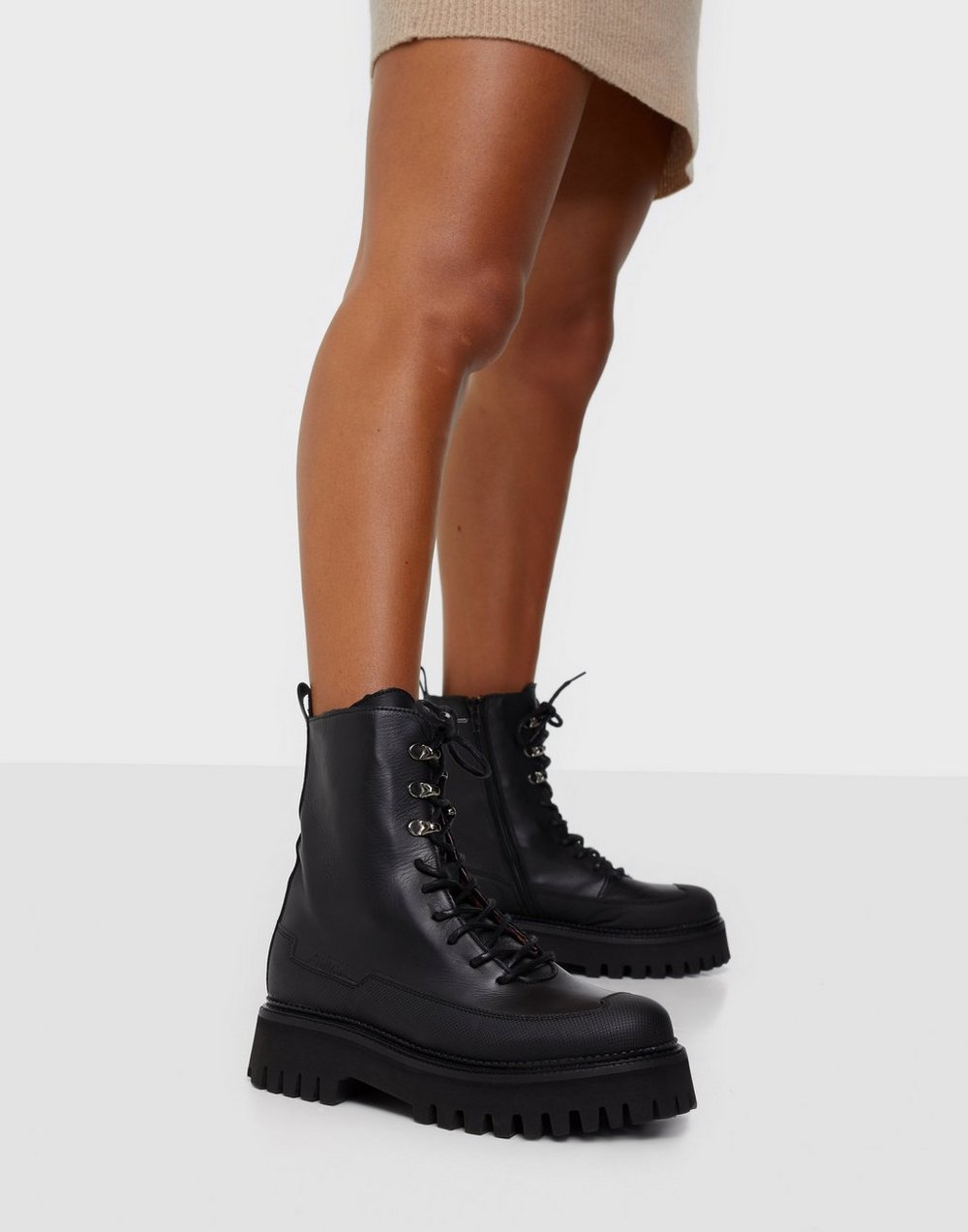 Bronx BX 1651 Groov y Flat Boots